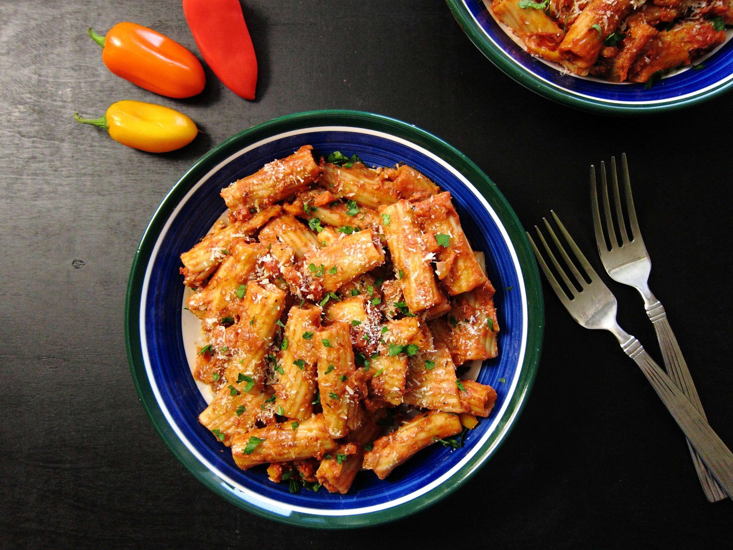 Instant Pot Vegetarian Pasta | Rigatoni Bolognese