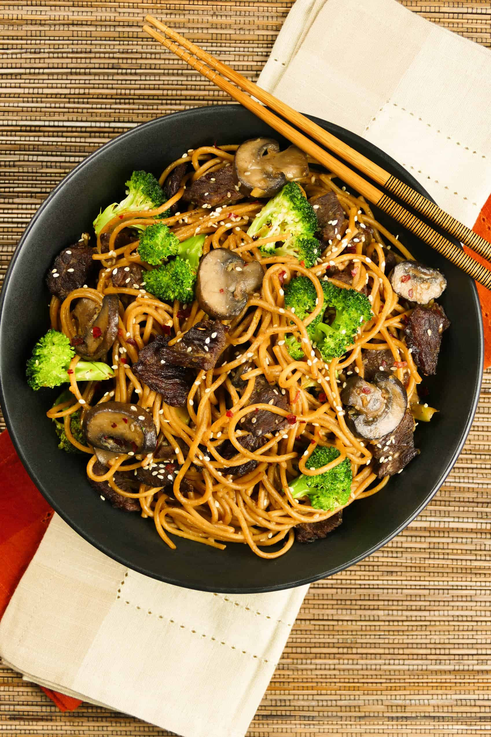 Instant Pot Lo Mein With Beef And Broccoli Paint The Kitchen Red