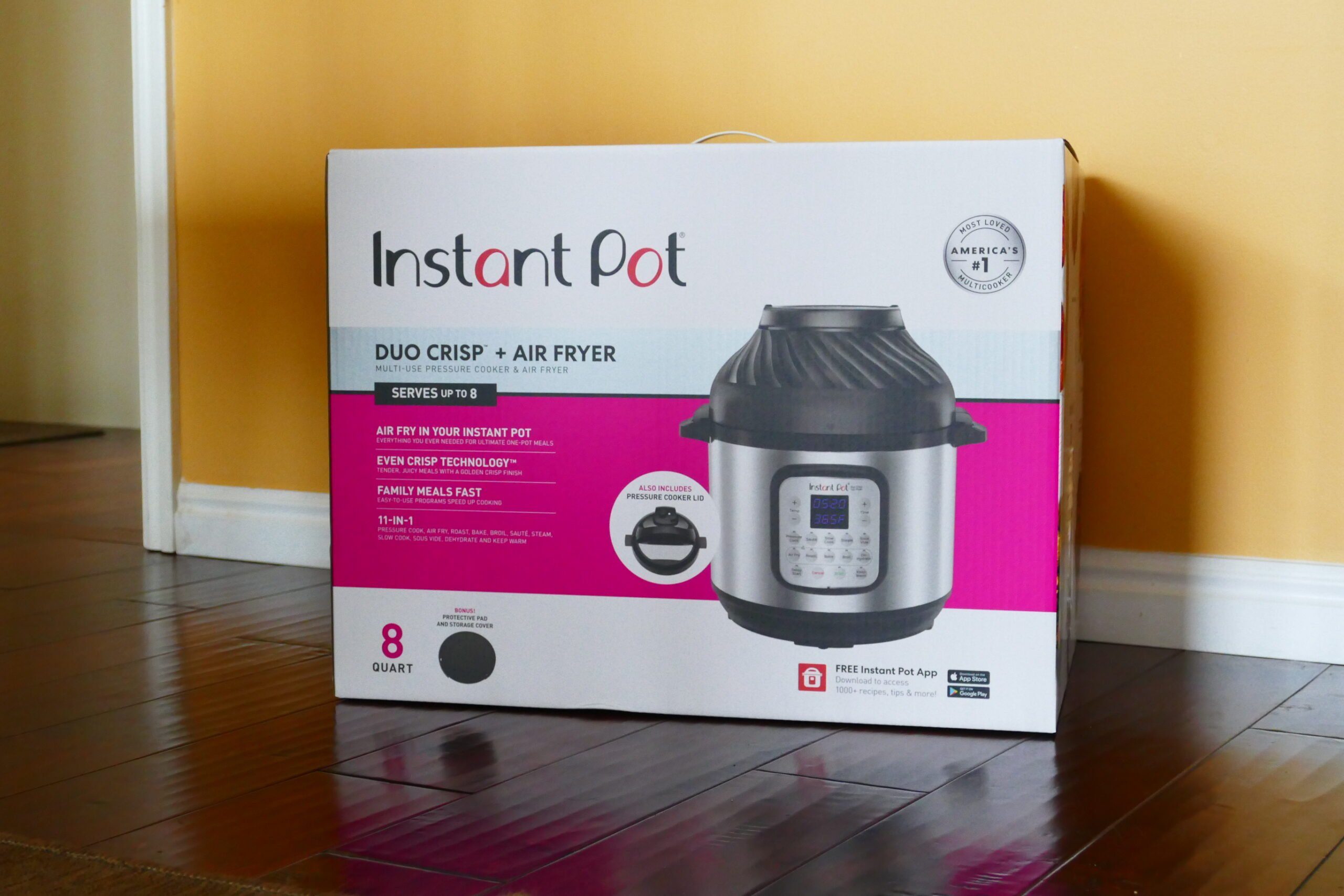 Instant Pot Duo Crisp Box with picture of duo crisp and air fryer lid and words: Instant Pot Duo Crisp + Air Fryer and other specifications